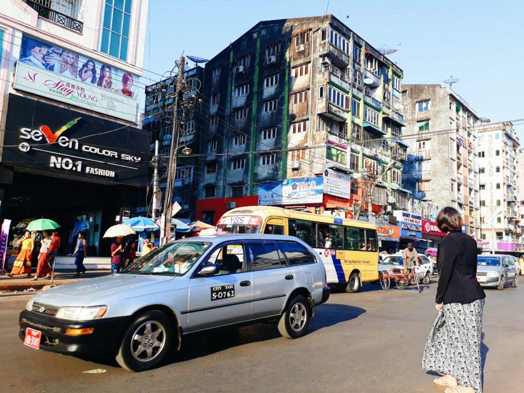 Phương tiện di chuyển ở Myanmar