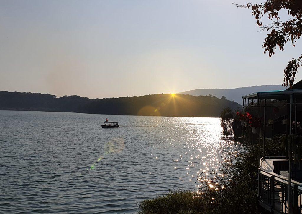 Hoàng hôn Hồ Tuyền Lâm