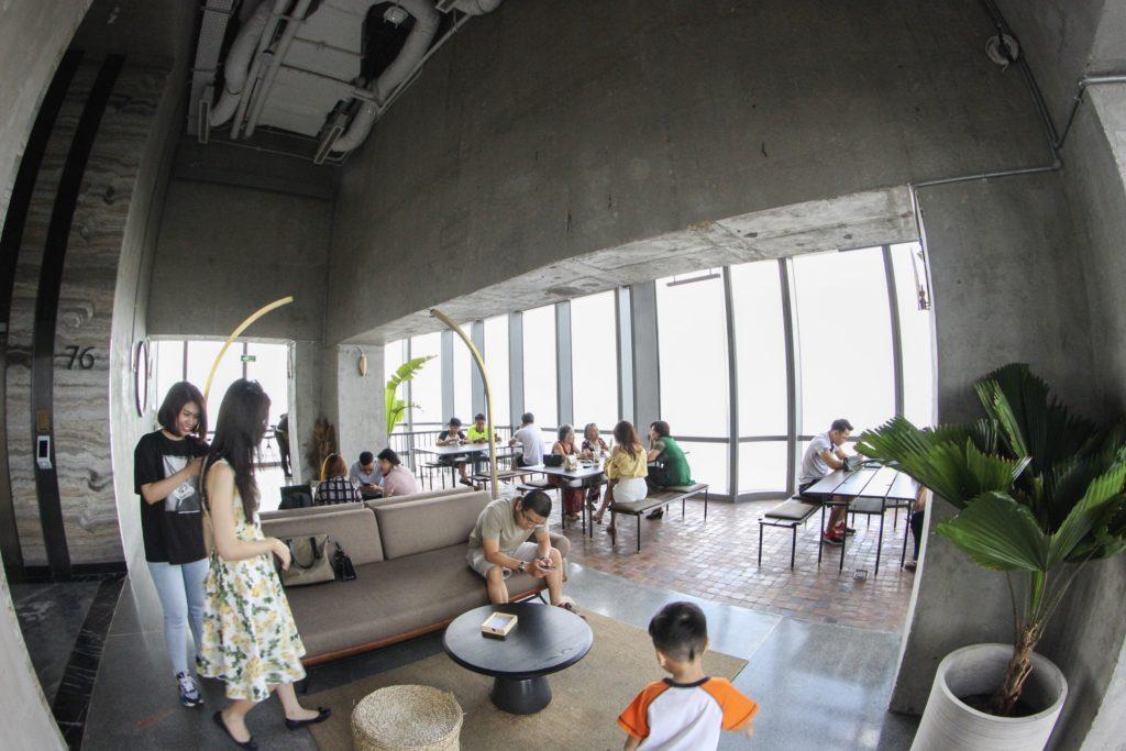 Ở Blank Lounge tầng 75 nhiều không gian để lựa chọn