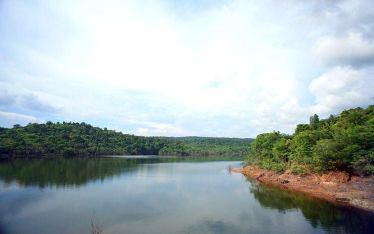 Hồ nước ngọt Dương Đông