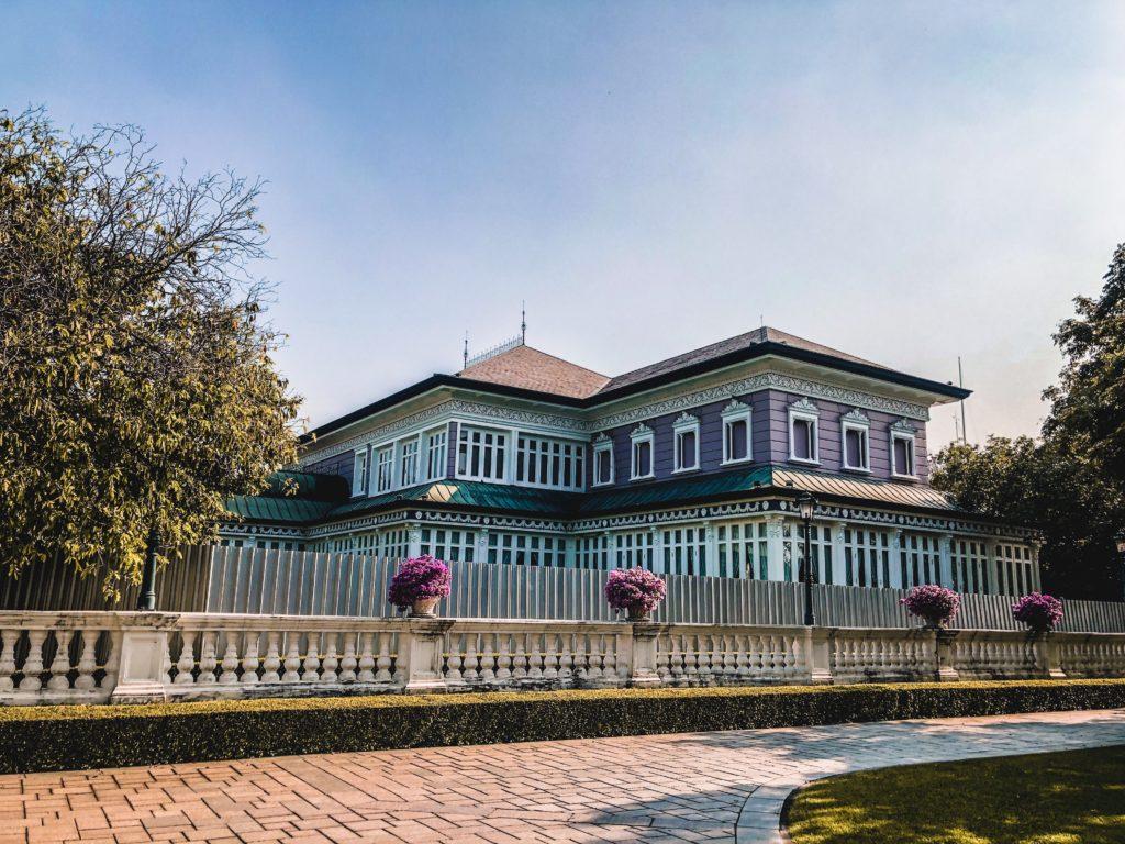 Phra Thinang Uthayan Phumisathian được xây dựng vào năm 1877