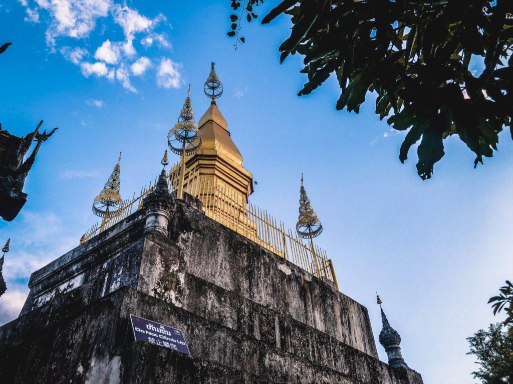 thăm chùa Wat Chom Si