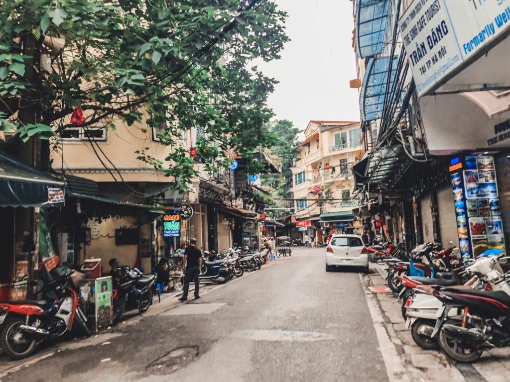 Khung cảnh đường Thu Hà Nội