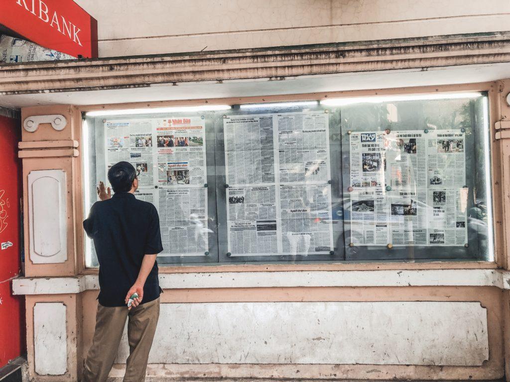 Đọc báo mới mỗi sáng